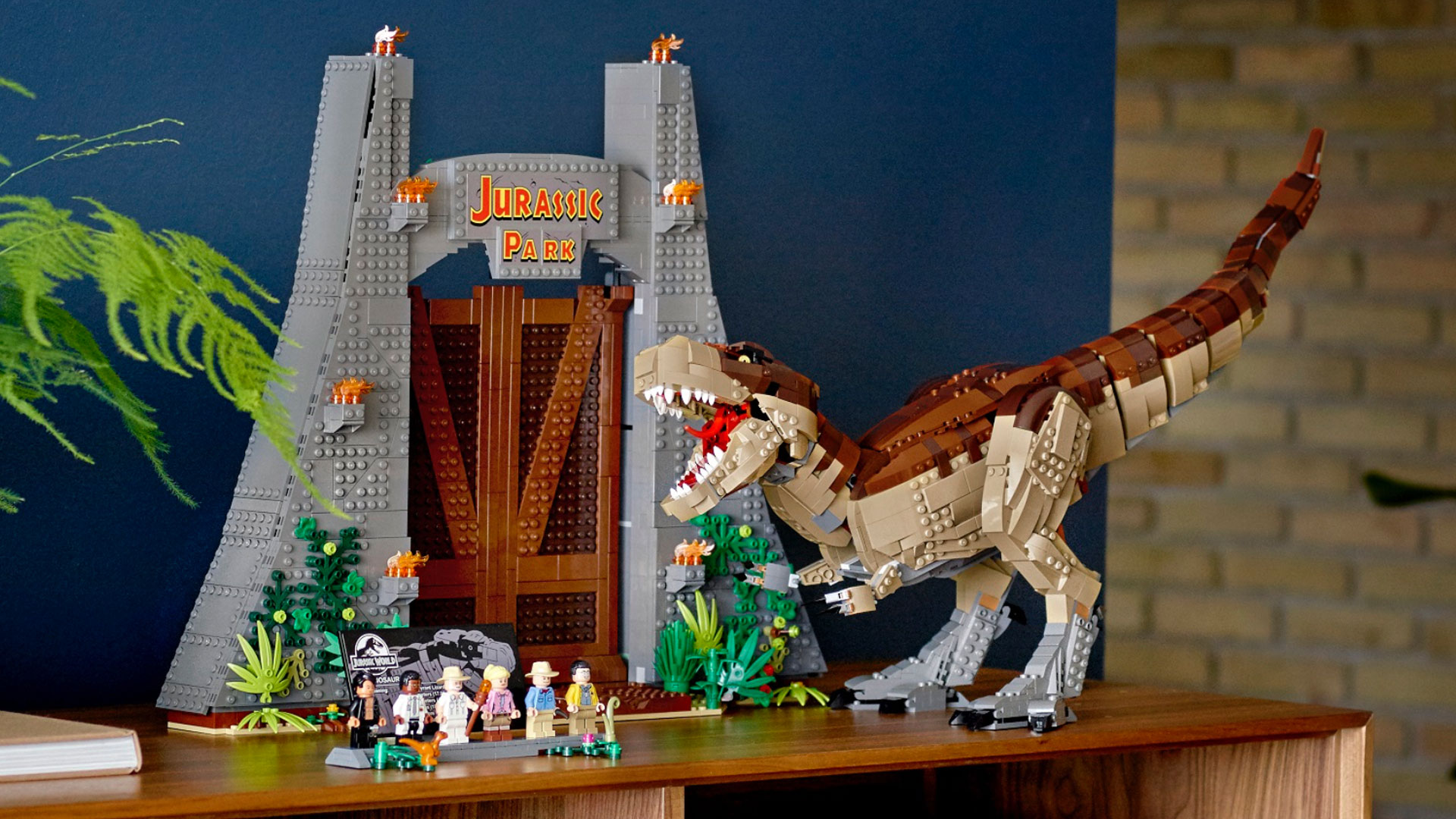 9 of the biggest and best LEGO dinosaur sets ever released