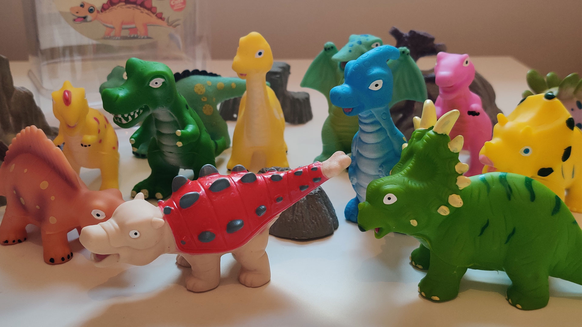 Product Review: Hely Cancy Baby Dinosaur Squirter Bath Toys (16 Pieces)