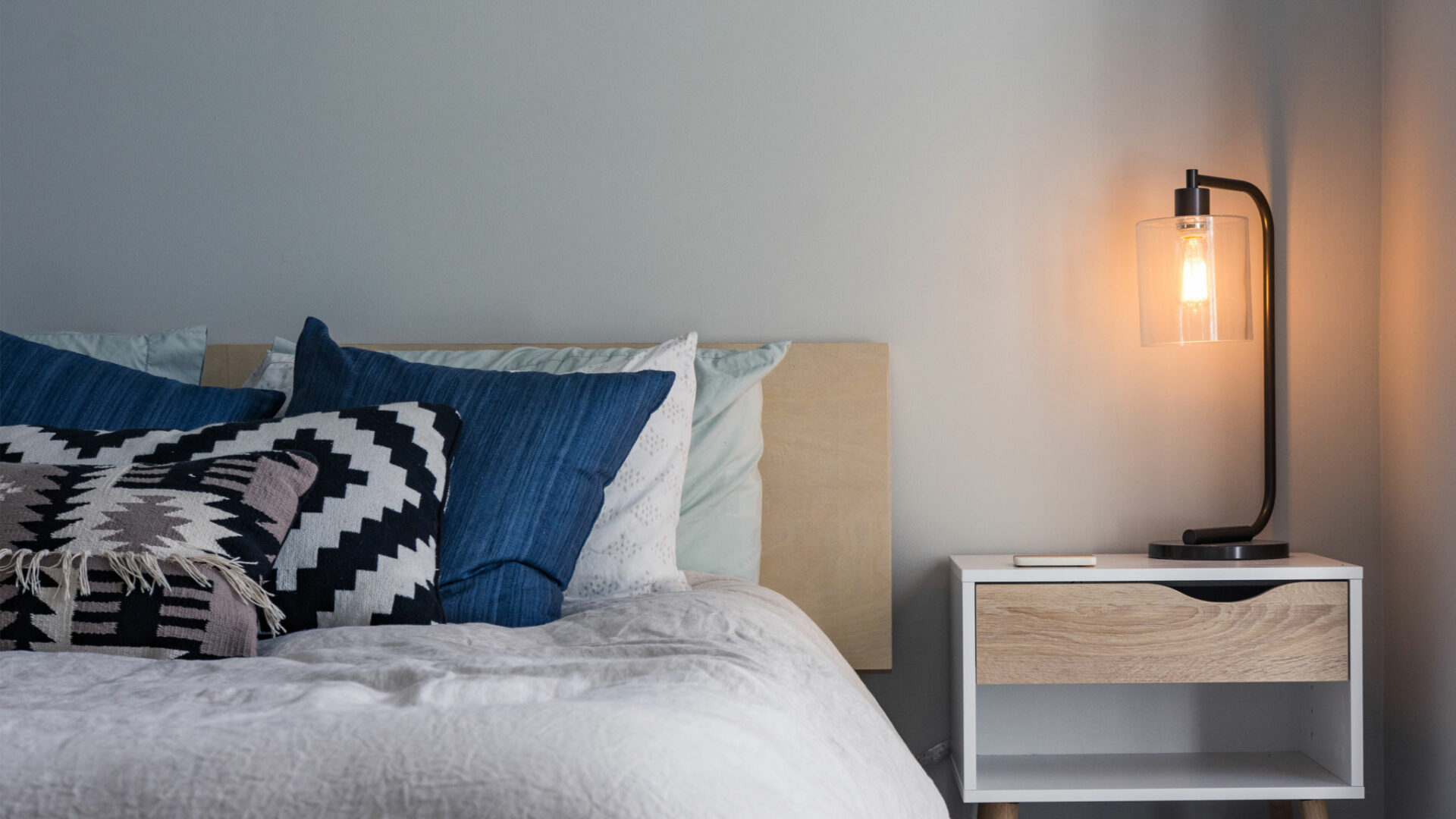 6 reasons to invest in a night light for your kid's bedroom