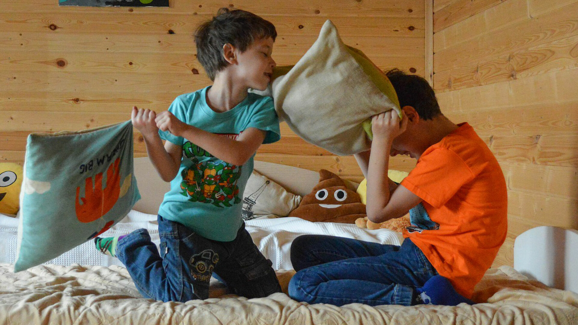 Hosting a kid's sleepover party? Here are our 6 steps and tips to help you pull it off